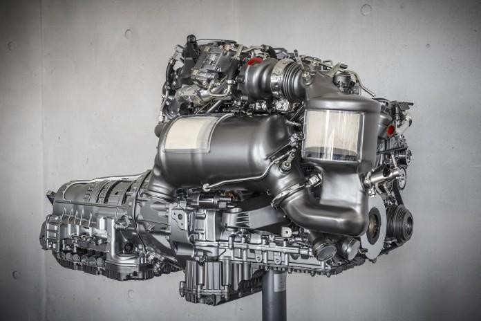 Motorenworkshop und Motorenprüfstand des neuen OM 654