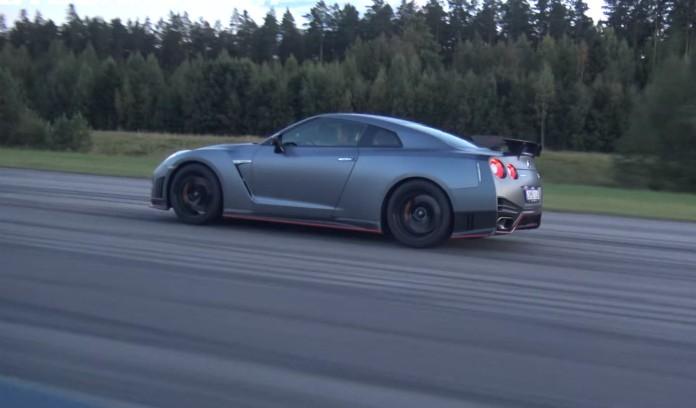 Nissan GT-R Nismo Vs Veyron