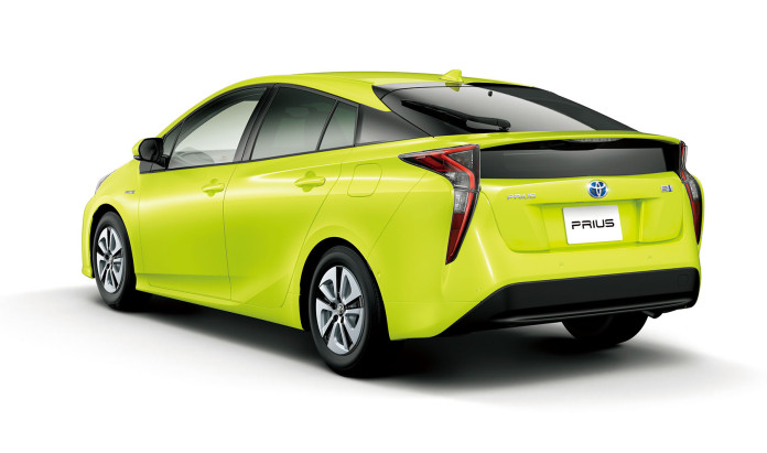 Toyota Prius with Thermo-Tech Lime Green (2)