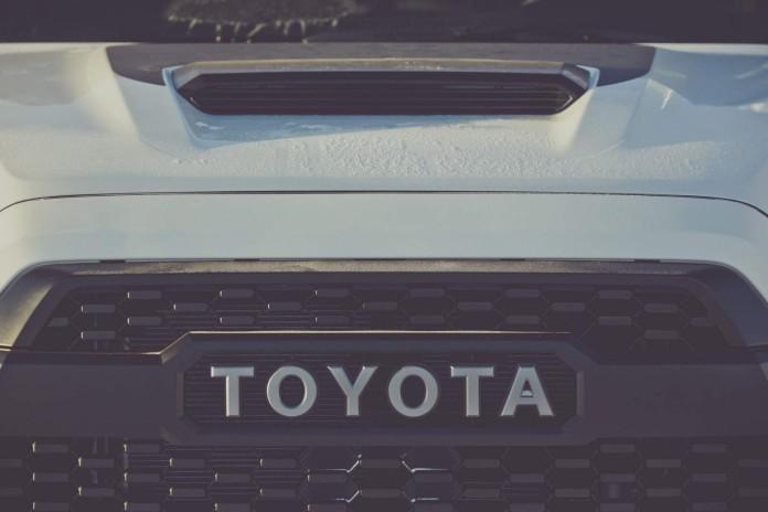 Toyota_teaser_E954C8A557FE65FCBCB26A267116011A924C27C5