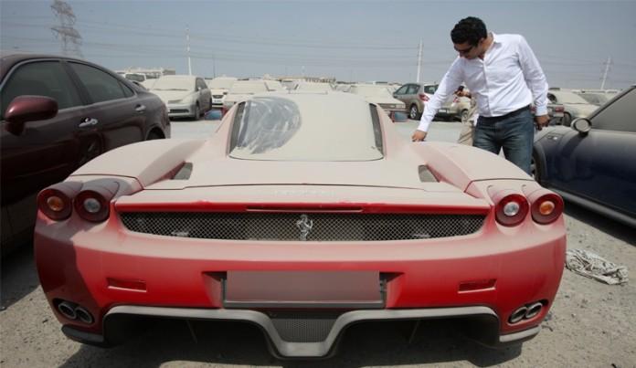 Abandoned Ferrari Enzo in Dubai