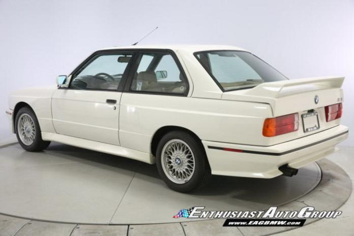 1991-BMW-M3-30