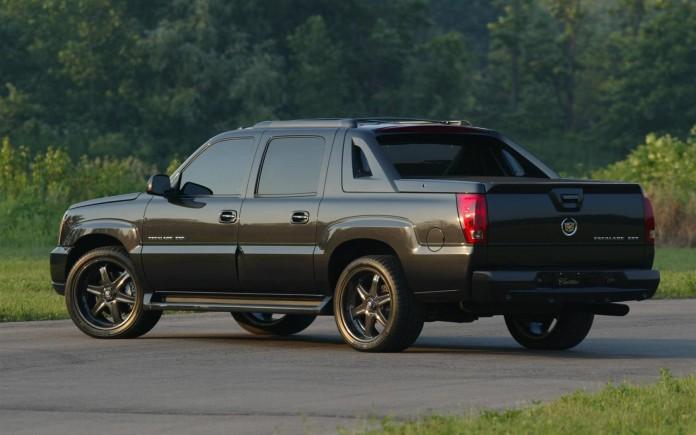 2003-Cadillac-Escalade-EXT_Image-04-1680