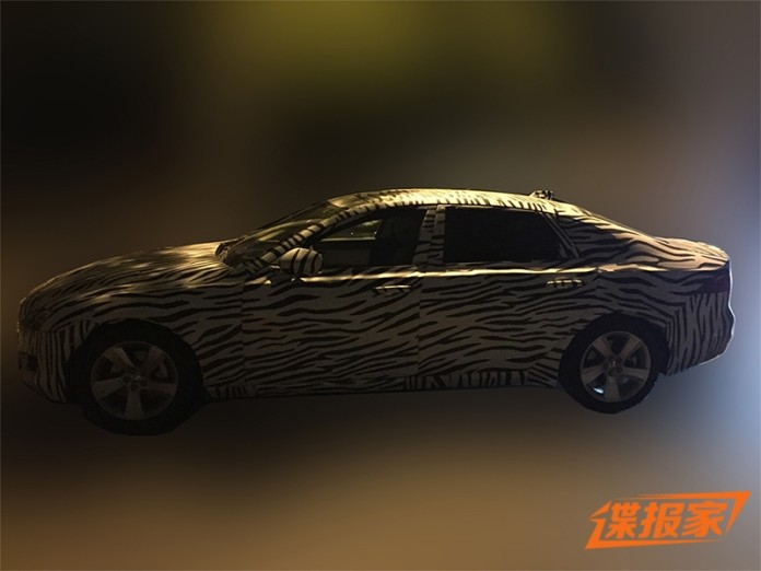 2016 Jaguar XFL (2)