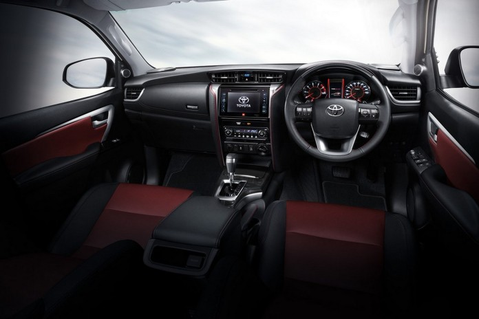 2016 Toyota Fortuner TRD Sportivo 12