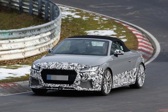 Audi TT RS Roadster spy photos (2)
