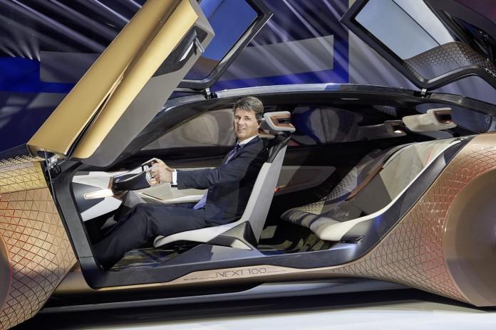 BMW Vision Next 100 concept (3)
