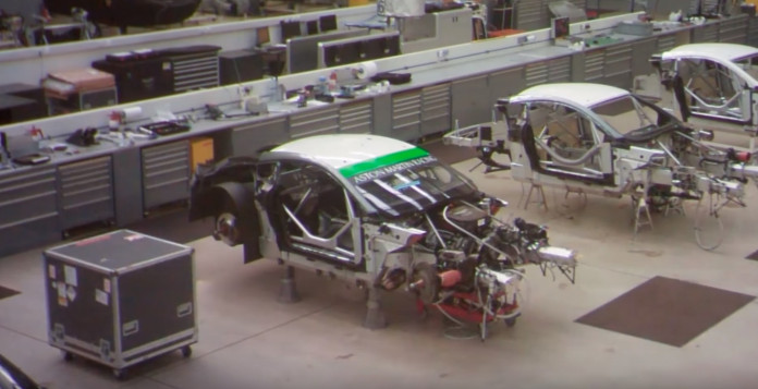 Building the Aston Martin V8 Vantage GTE in 60 seconds