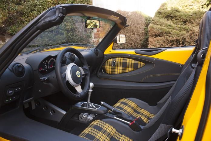 Lotus Exige Sport 350 Roadster (15)