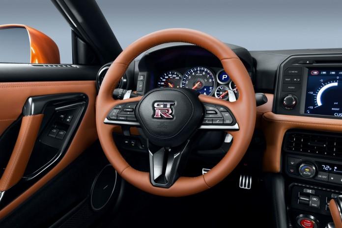 Nissan GT-R 2017 (17)