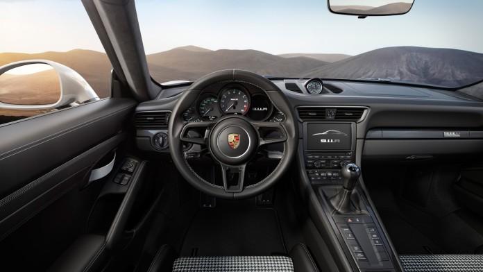 Porsche-911-R-2