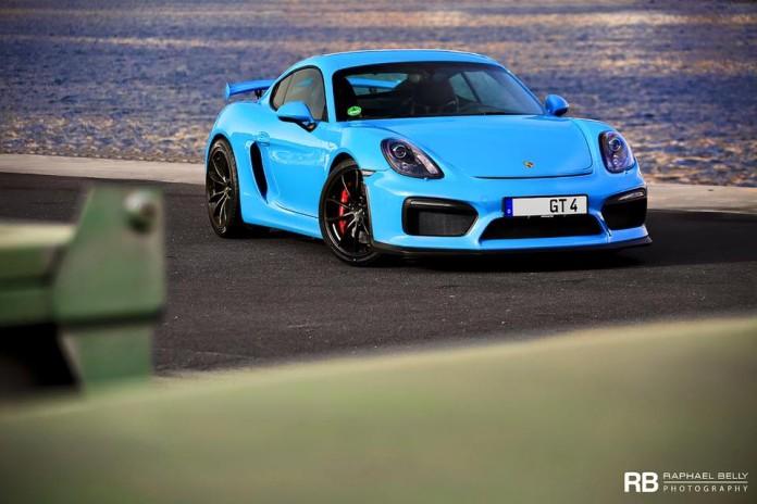 Porsche_Cayman_GT4_Miami_Blue_03