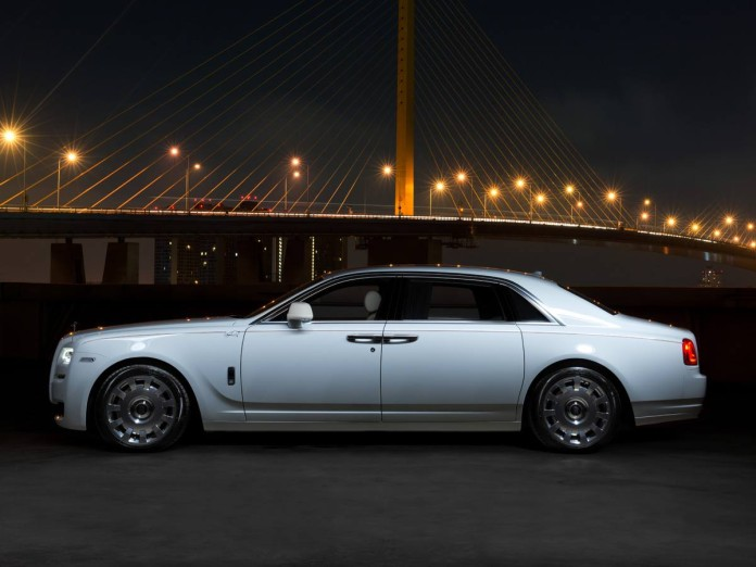 Rolls Royce Ghost Elephant (1)