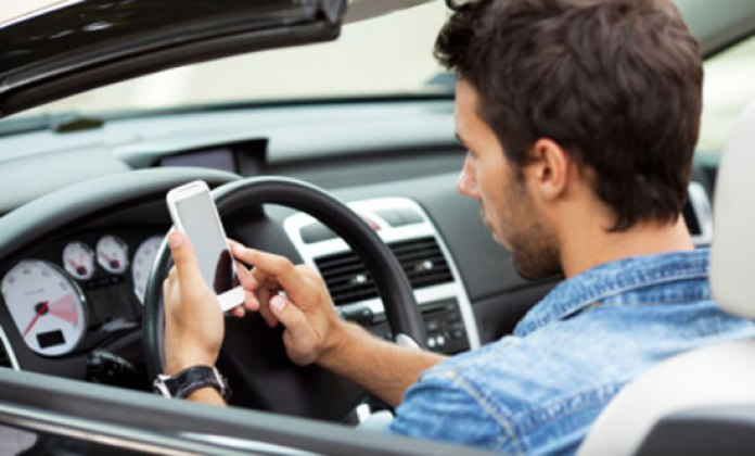 driving-cellphone