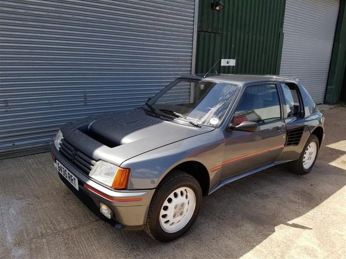 1984_Peugeot_205_T16_17