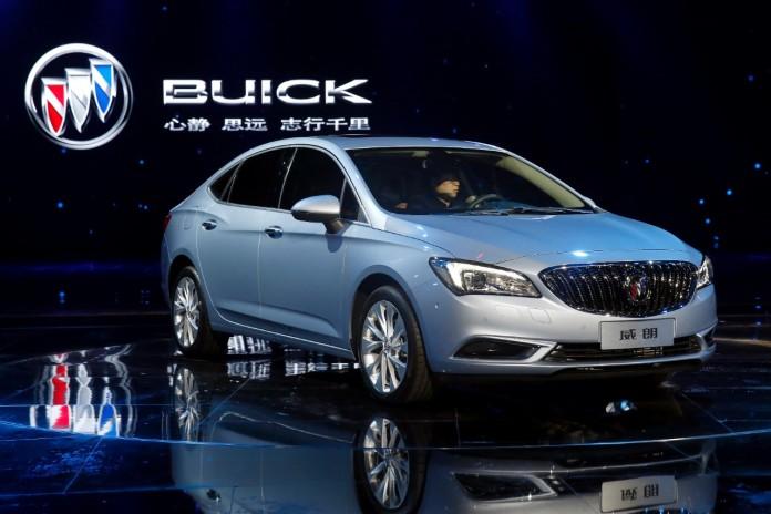 2016-buick-verano-china-06