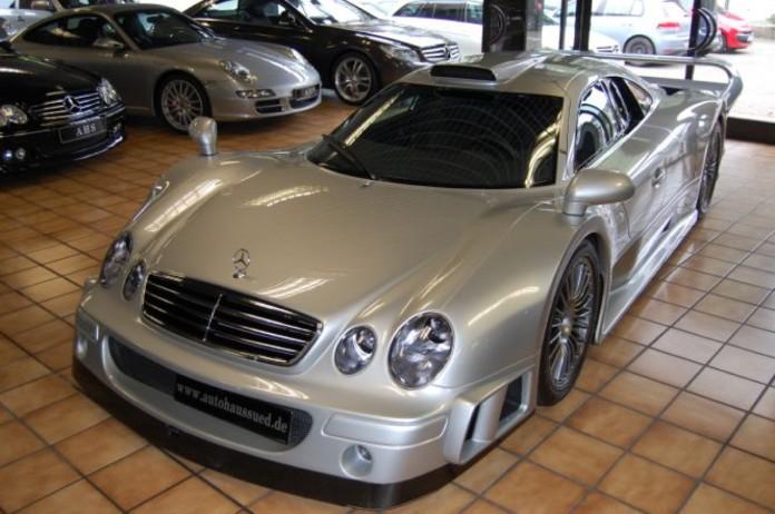 Mercedes_CLK_GTR_for_sale_03