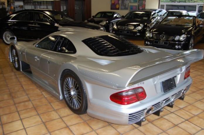Mercedes_CLK_GTR_for_sale_04