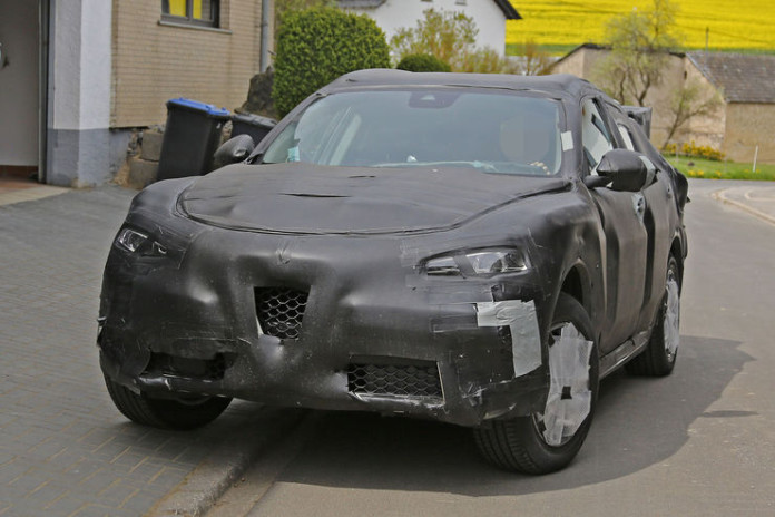 Spy_Photos_Alfa_Romeo_Stelvio_05