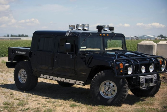 Tupac Hummer H1 in auction (1)