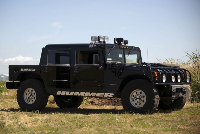 Tupac-Hummer-H1-in-auction-2