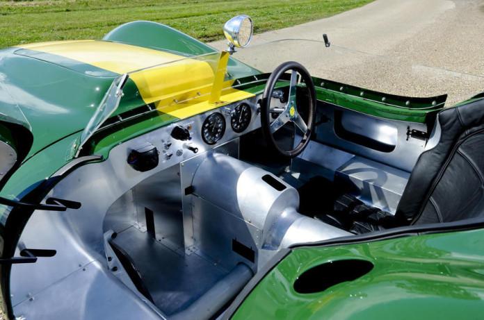 Lister_Jaguar_Knobbly_Stirling_Moss_Edition_05