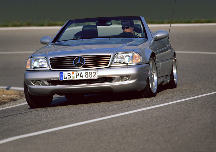 Sports car DNA: the Mercedes-Benz SL 73 AMG (1999-2001) of the R 129 series (1989-2001).