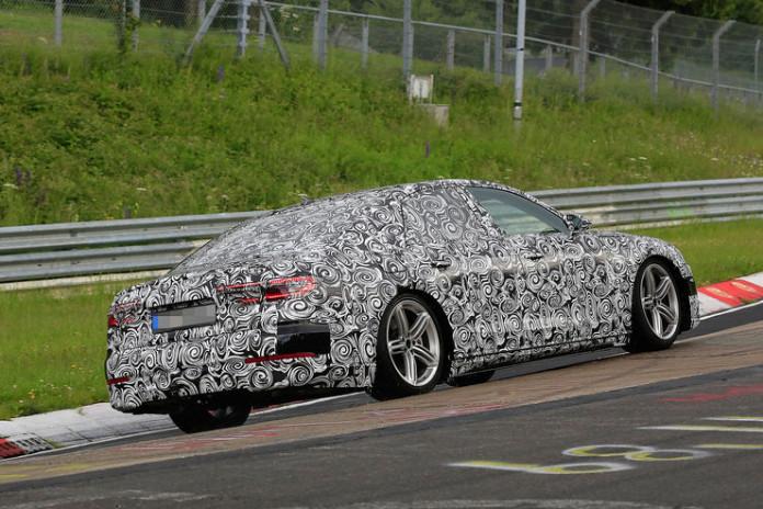 Spy_Photos_Audi_A8_Nurburgring_10