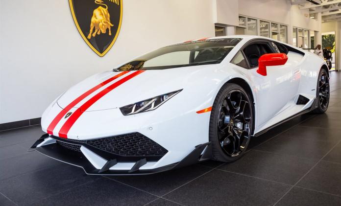 Lamborghini-Huracan-side