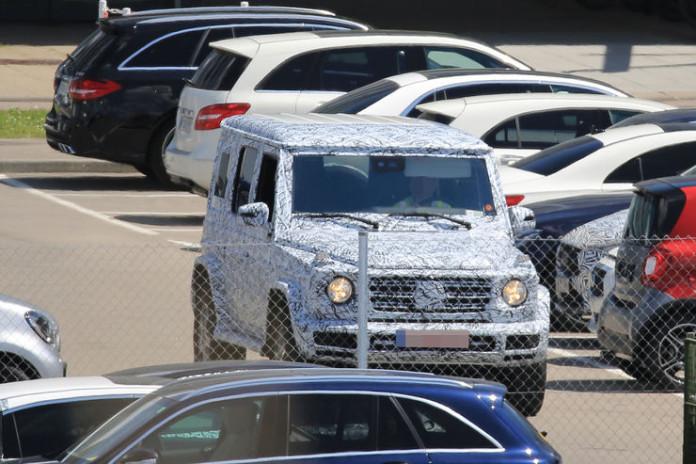 Mercedes-G-Class-2017-spy-photos-10
