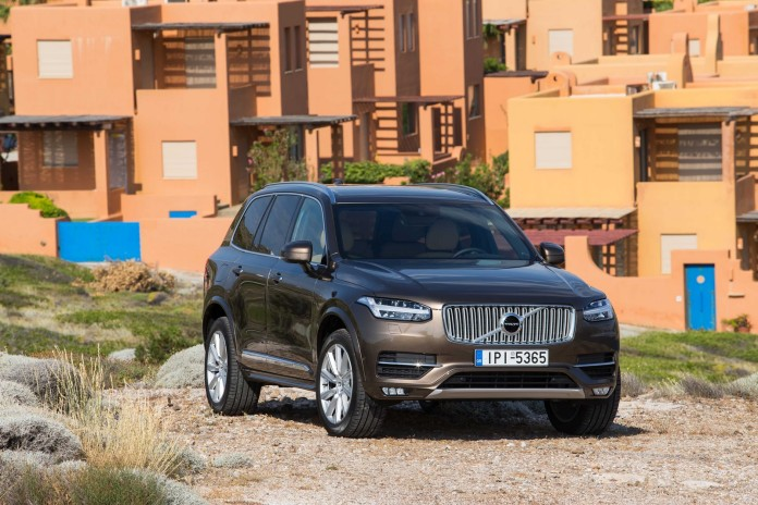NEW-VOLVO-XC90-IN-GREECE_12