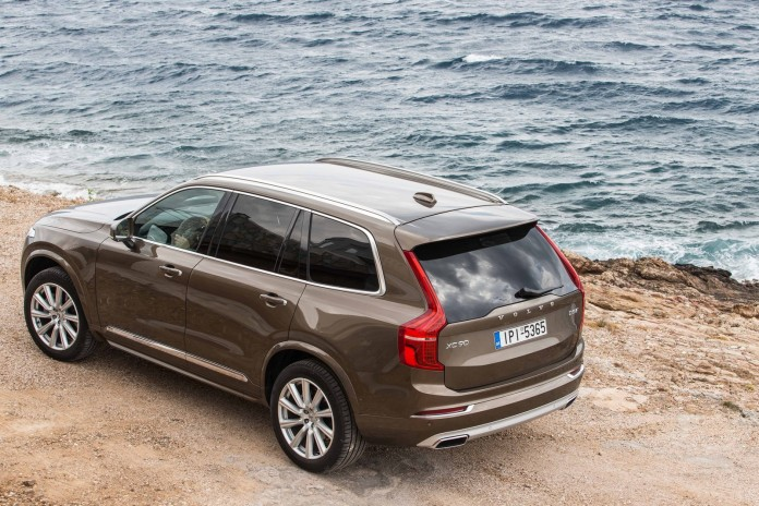 NEW-VOLVO-XC90-IN-GREECE_25