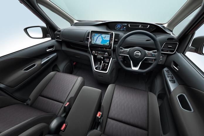 Nissan Serena 2017 (5)