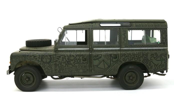 land-rover-art-car-by-keith-haring2