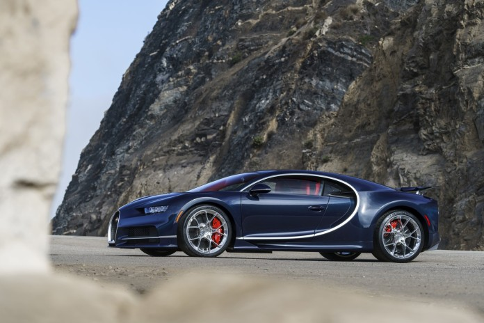 Bugatti-Chiron-Pebble-Beach-2016-6