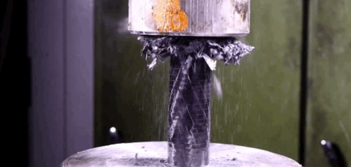 Carbon-Fiber-vs-Hydraulic-Press