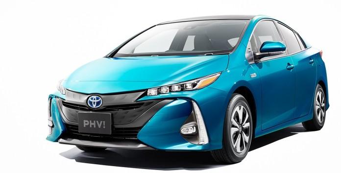 Toyota-Prius-Plug-in-Hybrid-solar-roof-6