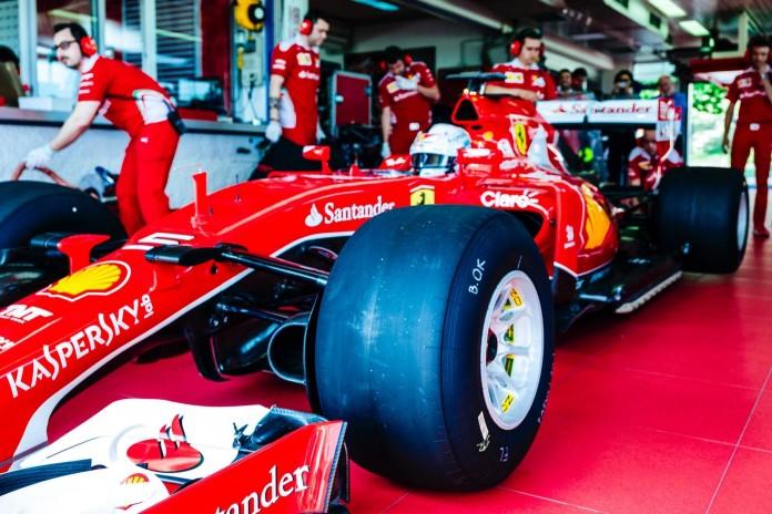 Vettel Pirelli 2017 (1)