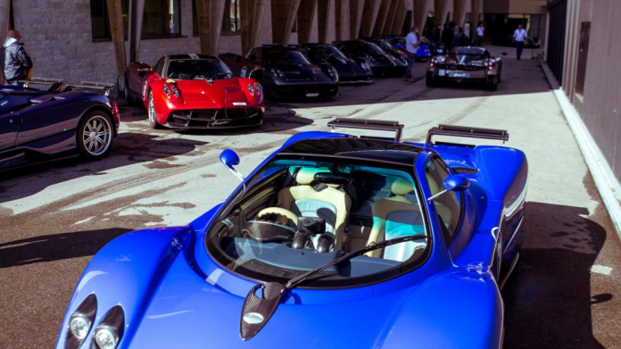 paganis-italy-tour-event-2016-5