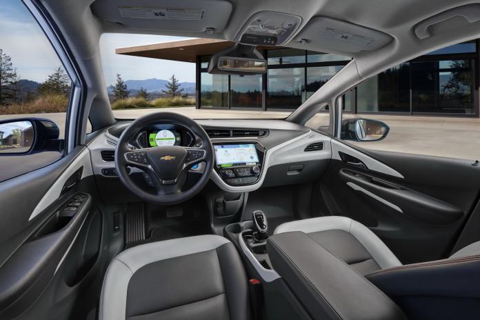 2017-Chevrolet-BoltEV-05