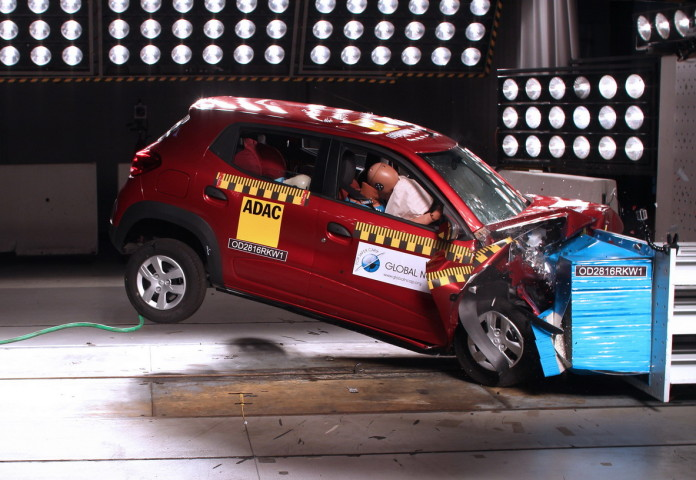 Chevrolet Spark GT and Renault Kwid crash tests (2)