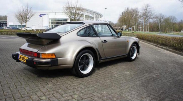 Porsche_930_Turbo_for_sale_04