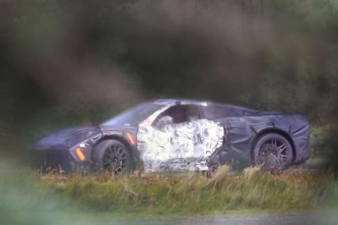 Spy_Photos_Chevrolet_Corvette_C8_03
