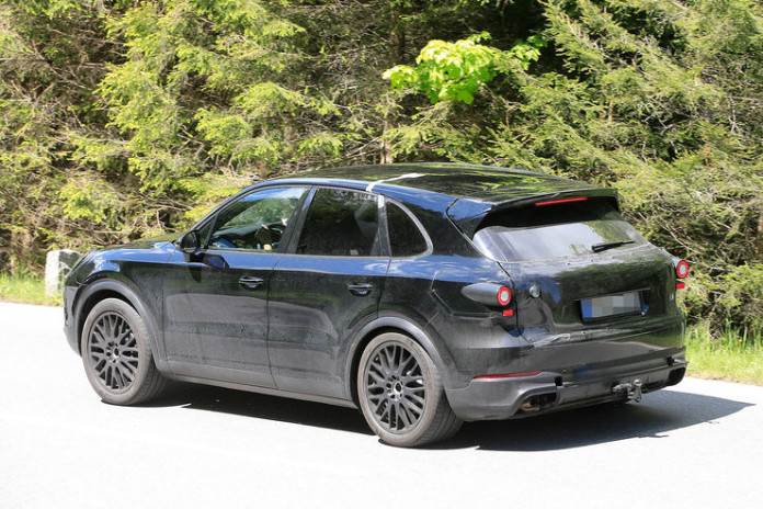 Spy_Photos_Porsche_Cayenne_05