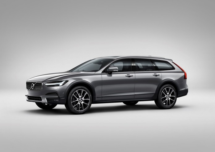 Volvo_V90_Cross_Country_14