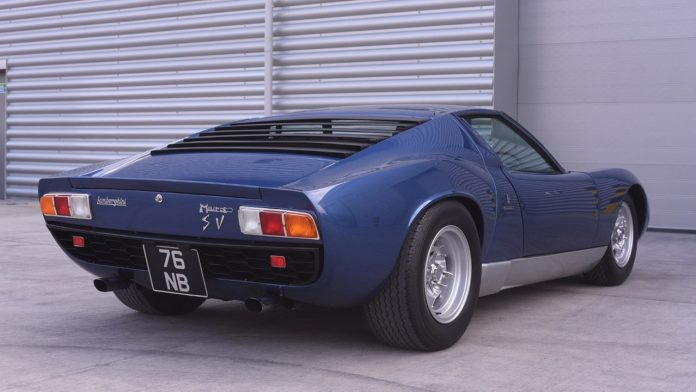 1971-lamborghini-miura-originally-owned-by-rod-stewart-4