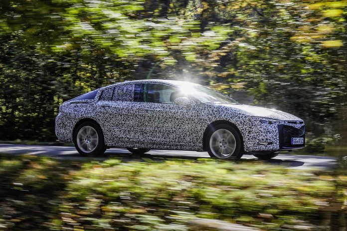 Longer wheelbase, shorter overhangs: The reworked proportions give the new Opel flagship, the Insignia Grand Sport, a more athletic presence than ever before.