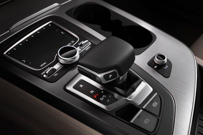 2016-audi-q7-gear-knob