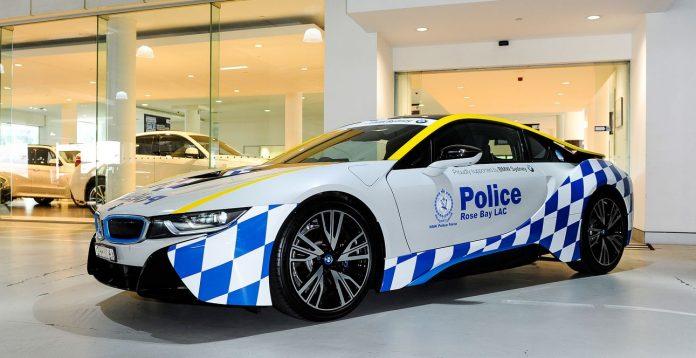 bmw-i8-police-car-1