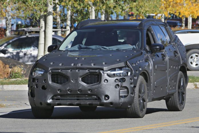 volvo-xc60-spy-photos-8